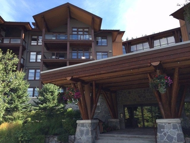 102D 2020 LONDON LANE - Whistler Creek Apartment/Condo for sale, 2 Bedrooms (R2328378) #1